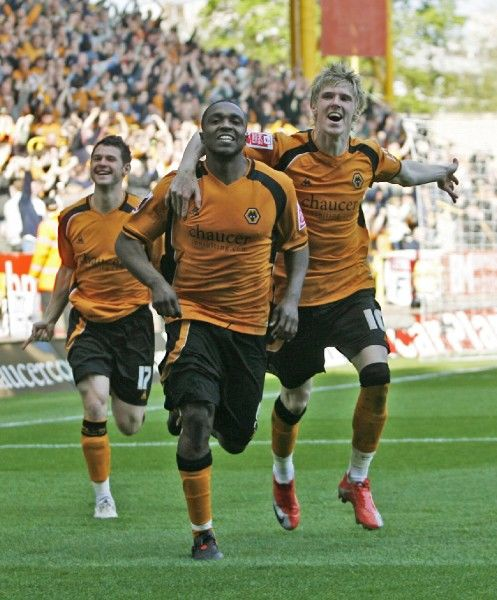 Football - Wolverhampton Wanderers v Queens Park Rangers Coca-Cola Football League Championship - Molineux - 18/4/09 Sylvan Ebanks Blake of Wolverhampton Wanderers (C) celebrates scoring their first goal Mandatory Credit: Action Images / Peter