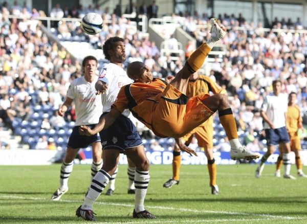 Football - Preston North End v Wolverhampton Wanderers - Coca-Cola Football League Championship - Deepdale - 08/09 - 20/9/08 Chris Iwelumo (R) scores the first goal for Wolverhampton Wanderers Mandatory Credit: Action Images / John Clifton