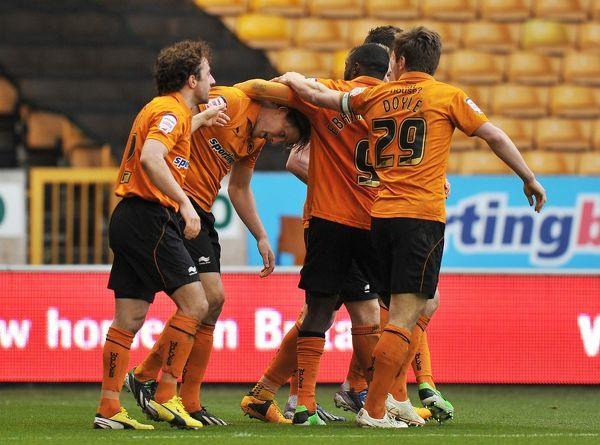 Wolverhampton Wanderers' Bj?rn Bergmann Sigurdarson (second left) is congratulated on scoring his sides 2nd goal