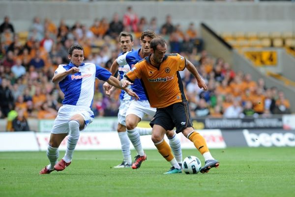 Steven Fletcher of Wolverhampton Wanderers scores a goal to make it 1-0