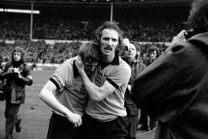 League Cup Final, Wolves vs Manchester City, Derek Dougan celebrates victory