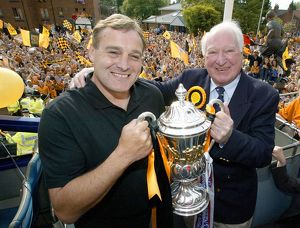 history/00s/promotion celebration may 2003 wolves bus tour