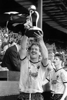 Sherpa Van Trophy Final, Wolves vs Burnley, Ally Robertson lifts the trophy