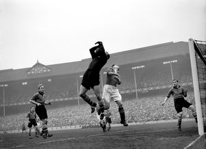 Wolves defeat Manchester United to reach the 1949 FA Cup Final